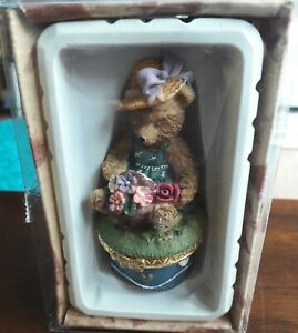 CANASIA TOYS AND GIFTS TEDDY BEAR FIGURINE NEW BOXED TRINKET BOX