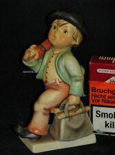 """Goebel Hummel 7/0 """"Wanderbub"""", Junge mit Schirm und Tasche, merry wanderer"""
