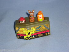 1996 CLASSIC SCOOBY-DOO VELMA DAPHNE In ROLLING COFFIN VTG BURGER KING Meal TOY