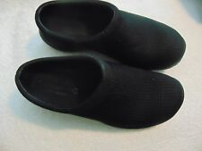 Womn's Merrell Black Fabric Mesh Pattern Clog Shoes-6.5