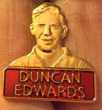 Manchester Utd Leyenda Duncan Edwards Insignia Pin Esmalte Busto De Bronce