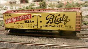 Varney HO Vintage Blatz Beer Lithographed Metal Reefer,  Exc.