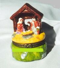 Little Creche.Porcelain Hinged-Box.Mary, Joseph and Newborn Jesus in Stable