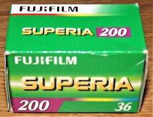 FujiFilm SUPERIA 200 35mm Colour Film 36 Exposure