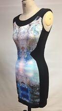 Taille 8 MISS SELFRIDGE Moulante robe Dos Reveal noir avec motif Centre