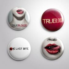 4 TRUE BLOOD -  Pinbacks Badge Button 25mm 1''