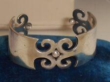 Vintage Ornate Pierced Design Front & End Caps Sterling Silver Cuff Bracelet