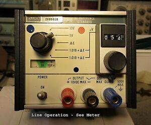 DC Voltage Reference Standard   - Fluke 731B    + Manual