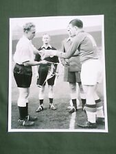 BILLY WRIGHT ENGLAND- FERENC PUSKAS - HUNGARY - 1 PAGE PICTURE- CLIPPING/CUTTING