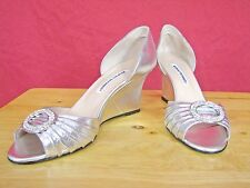 New MANOLO BLAHNIK SEDARABY Silver Metallic Jeweled Wedges Heels sz 40 Wedding