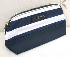 Elemis Azul Marino y Blanco Limpie (exterior) Forrado Maquillaje Bolsa con cremallera.
