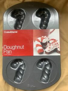 """Wilton Candy Cane Shapes 3"""" Doughnut Cookie Pan 6 Cavities Molds 2012 NEW!!"""