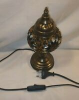 Vintage Brass Lamp Beautiful Decorative Shade Working In Great Condition