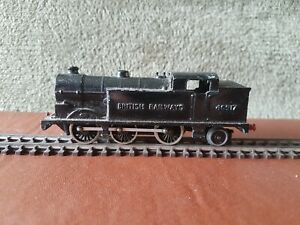 British Railways 46917 OO/HO Gauge 0-6-2 model steam train no makers marks.