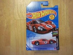 hotwheels hw race day 67 ford GT-40 MK. IV