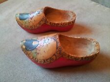 Decorative Pair Of Antique Wooden Dutch Clogs - Hand Carved & Painted In Holland