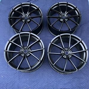 Lightly Used OEM Ferrari 488 Pista Wheel Set  , Matte Black