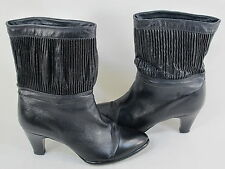 La Vallee Black Leather Lined Women's Pull on Winter Boots 8 AA US Excellent