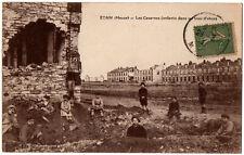 CPA 55 - ETAIN (Meuse) - Les Casernes (enfants dans un trou d'obus)