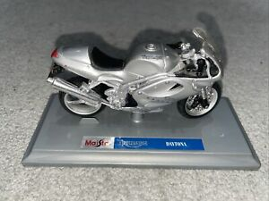Maisto Triumph Daytona Model With Stand