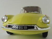 Citroen DS 19 1958 1/12 Norev 121561 DS19 Jaune Joquille & Grey