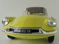 1 12 Norev CITROEN DS 19 1958 Lightyellow/greymetallic