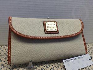 NWT*Dooney & Bourke Leather*BONE* Continental Clutch Wallet*Gorgeous!#16003G