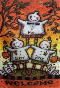 """Trio of Ghosts Standard House Flag by Toland #2274 28"""" x 40"""", Halloween"""