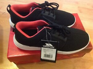 Ladies Black/pink Size 5 Trespass Trainers New Shop Clearance RRP £55.99