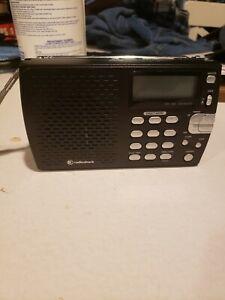Vintage Radio Shack Shortwave AM/FM Radio 08A14