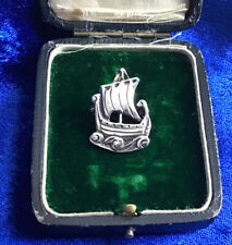 ****FINE QUALITY ANTIQUE VICTORIAN SOLID SILVER VIKING SHIP BROOCH SCOTTISH****