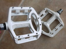 BICYCLE WELLGO MG1 MG-1 MAGNESIUM PEDALS PAIR  376g MTB BMX DH PLATFORM WHITE