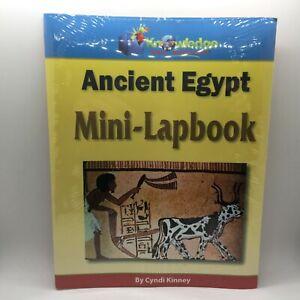 Ancient Egypt Mini-Lapbook : Assembled by Cyndi Kinney (2010, Kit) Free Ship New