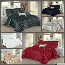 New Beautiful Design SAVIO 3 Piece Beautiful Bedspread / Comforter set