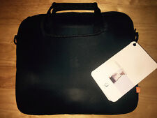 BNWT INCASE APPLE MACBOOK OR IPAD PRO SLEEVE/BAG - FREE POSTAGE