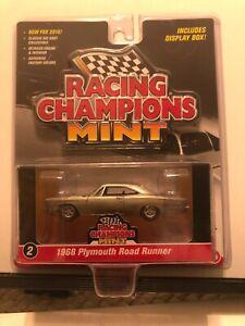 1/64 RACING CHAMPIONS MINT 1968 PLYMOUTH ROAD RUNNER 2 DOOR HARDTOP GOLD