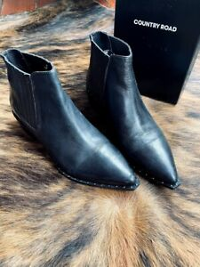 COUNTRY ROAD Black Ankle Leather Boots with studs size 40