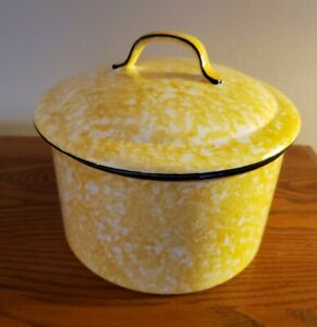 Stengl Pottery Spongeware Spatterware Covered Casserole Yellow