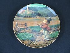 """1994 Danbury Mint - M.I. Hummel Collector Plate - """"Song Of Thanksgiving"""""""