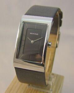 Damenuhr Armbanduhr von Bering in Edelstahl ***