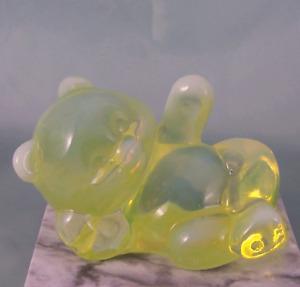 Fenton Opalescent Vaseline Reclining Bear Topaz Art Glass Figurine NOS Mint
