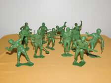 """VINTAGE OLD TOY 11 WWII 5 1/2"""" HIGH PLASTIC USMC SOLDIERS LOT"""