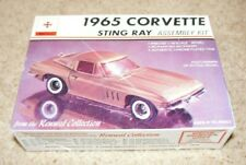 Vintage & Rare Renwal ~1965 Corvette Sting Ray 1/48 Scale Model