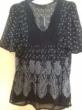 Ladies Stunning Crochet Lace Front Floaty Blouse Black & White Size 14 NWT