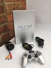Sony PLAYSTATION 2/PS2 console-ARGENTO COMITATO Fitosanitario permanente 50003 Fast Gratis Uk PP 5 gioco libero