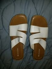 Naturalizer White Low Heel Sandals Womens Size 9 1/2