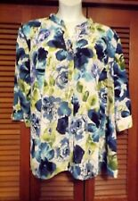 """Beautiful Blue & White Floral Print Top by """"Maggie Barnes"""" Size 3X, (26/28W)"""