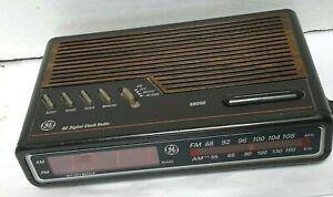 GE Digital Alarm Clock Radio AM/FM Model 7-4612A Brown Vintage 80's Works
