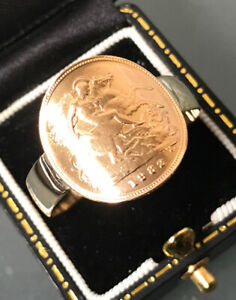 1982 Half-Sovereign Bent Style Ring 22ct Coin Large size Z8 Weight 6.5g