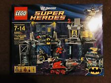 Lego DC Universe SUPER HEROES - Batman: The Batcave (6860) [SEALED]